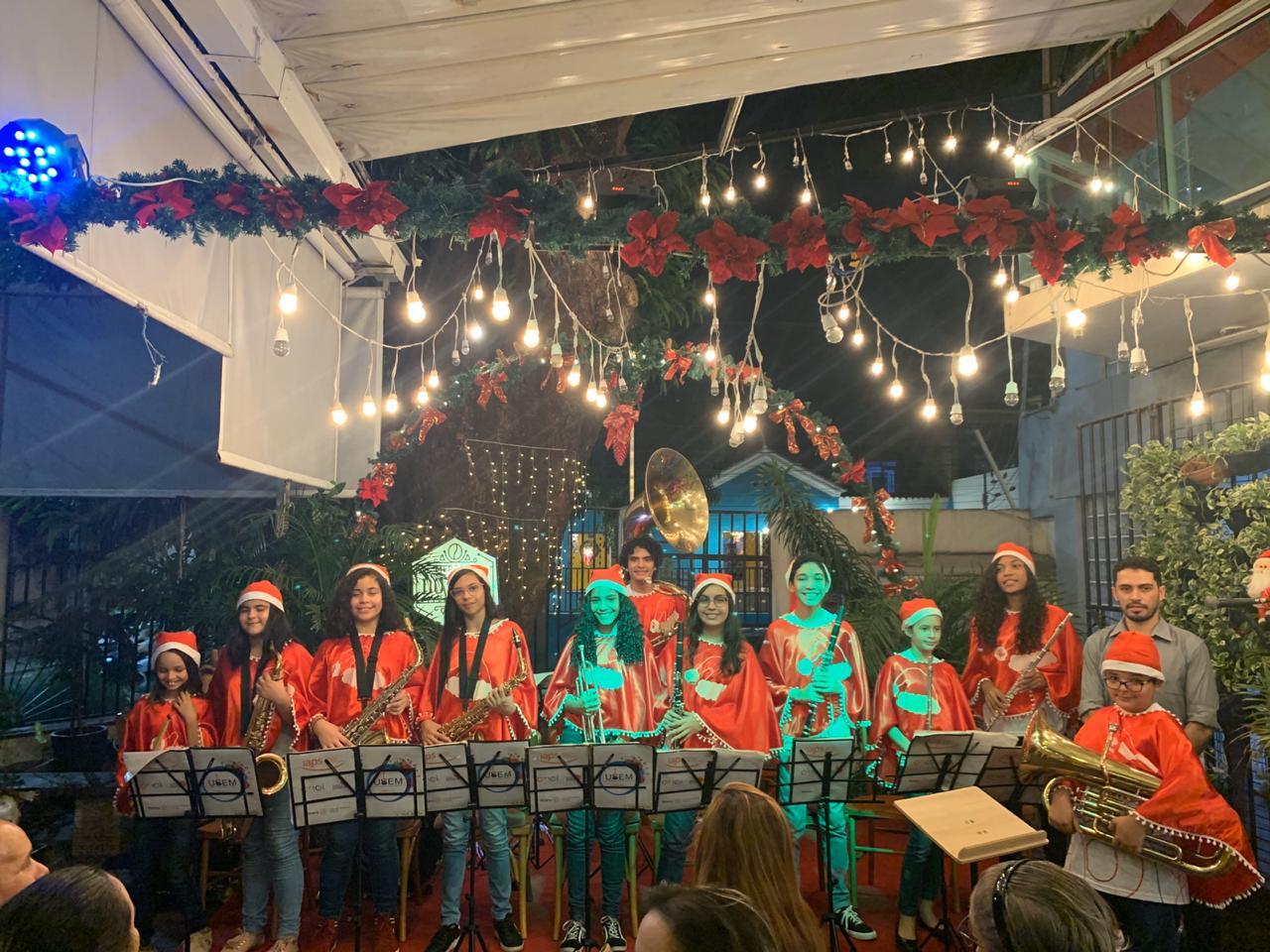Mercado do Café inicia temporada de Natal com apresentações de coral e orquestra infantil no Benfica