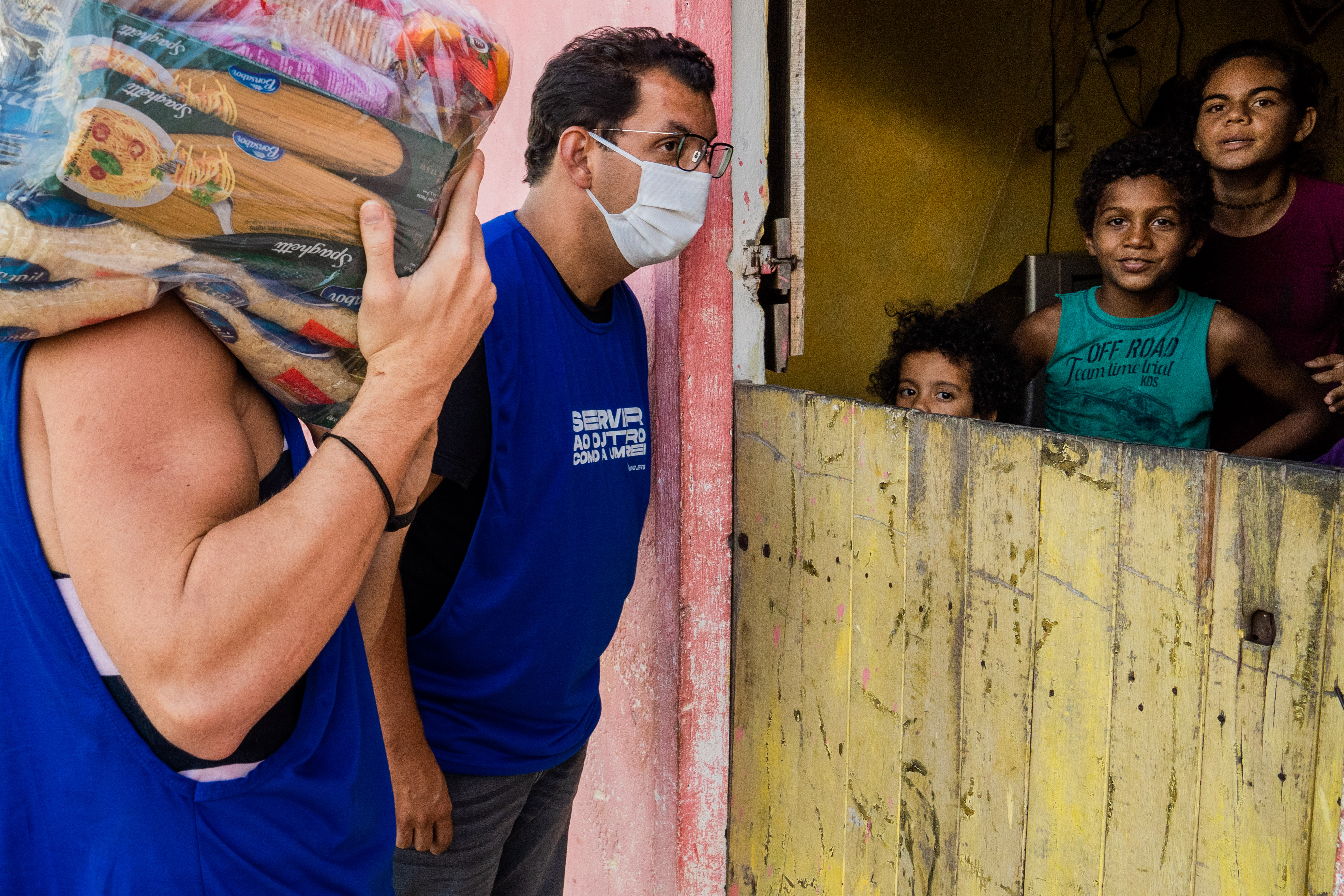 Transforma Brasil aposta na valorização do currículo social nas empresas para quintuplicar o número de voluntários no país